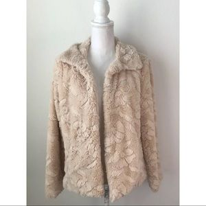 Betsey Johnson Faux Fur Beige Jacket ~Size M~